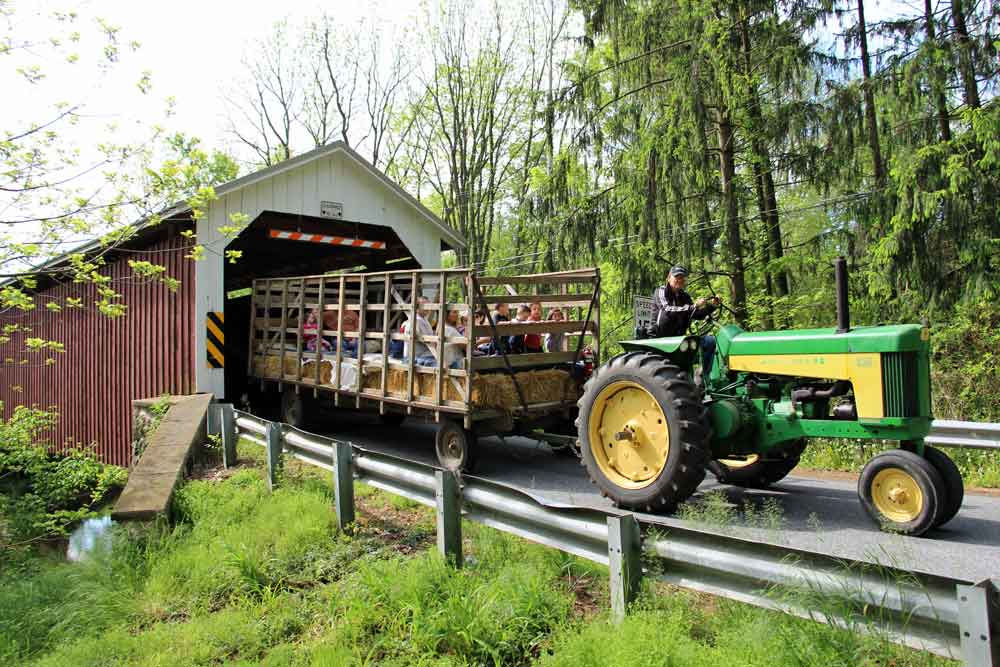 Bed and Breakfast hayride